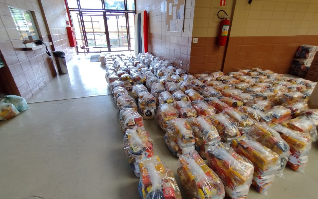 Núcleo Social de Diadema distribui 12 toneladas de alimentos e cobertores
